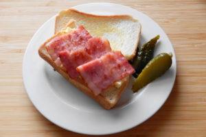 ベーコンとタマゴのサンドイッチ